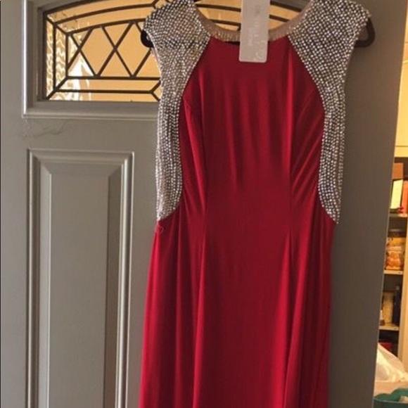 Dresses & Skirts - BEAUTIFUL RHINESTONE LONG DRESS